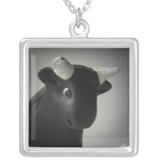 Bully necklace square pendant necklace