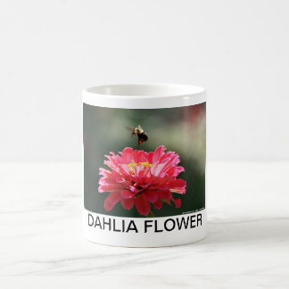 BUMBLE BEE COLLECTING POLLEN MUGS