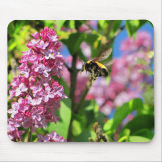 Bumble Bee Landng on Lilacs Mouse Pad