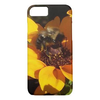 Bumble Bee on Black Eyed Susan iPhone 8/7 Case