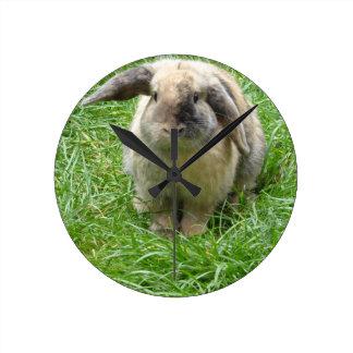 Bumble Rabbit Round Clock