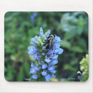 Bumblebee on flower cool photography mousepad