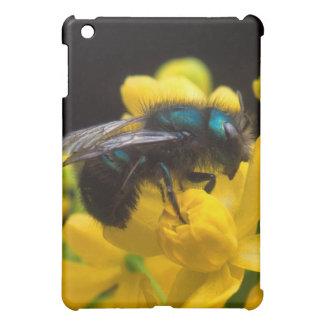 Bumblebee Pollinating Cover For The iPad Mini