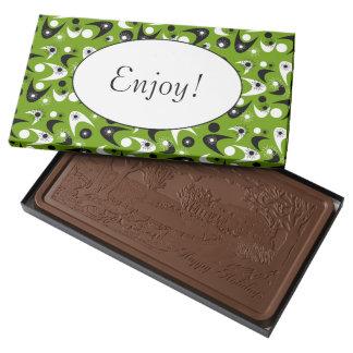 Bumeranes retros caja con tableta de chocolate con leche grande