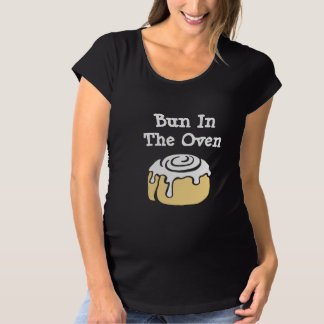 Bun In The Oven Cinnamon Roll Cartoon Funny Maternity T-Shirt