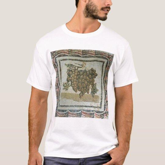 Bunch of white grapes, Roman mosaic T-Shirt