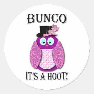 "Bunco - It's A Hoot"" Classic Round Sticker"