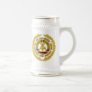 Bundesrepublik Deutschland / East Germany Crest 18 Oz Beer Stein