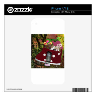 Bunny is carrying Easter eggs. Skins For iPhone 4