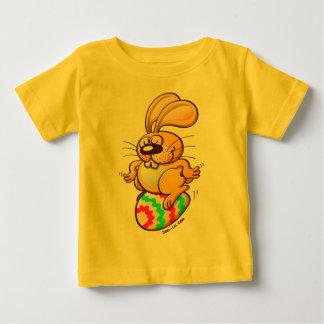 Bunny Sitting on an Easter Egg Infant T-shirt
