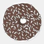 Buñuelo del coco del chocolate pegatinas redondas