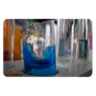 Buque de cristal derretido con la solución imán rectangular