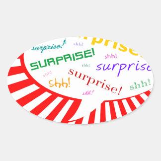 burbuja que habla del fiesta de sorpresa pegatina ovalada