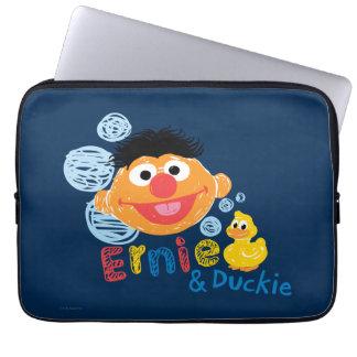 Burbujas de Ernie y de Duckie Fundas Computadoras