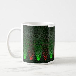 Burbujas de levantamiento verdes/taza roja taza clásica