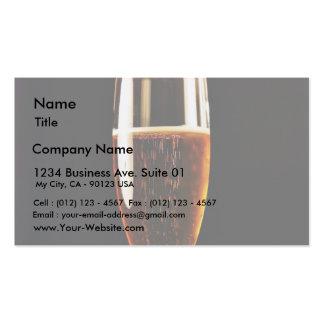 Burbujas de los vidrios de cerveza plantillas de tarjeta de negocio