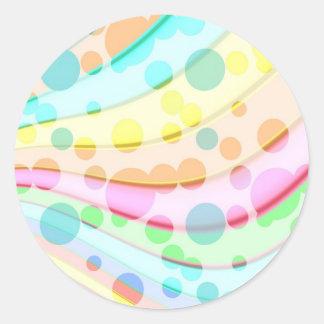 Burbujas en colores pastel bonitas pegatina redonda