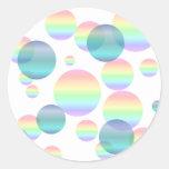 Burbujas en colores pastel del arco iris pegatina redonda