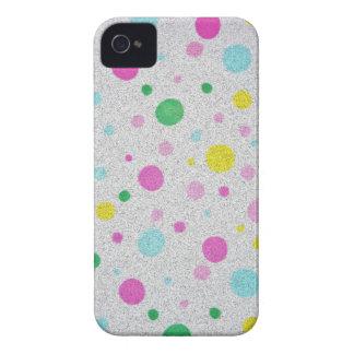 Burbujas en colores pastel peludas de los lunares iPhone 4 protector