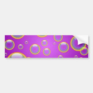 Burbujas púrpuras del arco iris etiqueta de parachoque