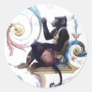Burbujas que soplan del mono pegatina redonda