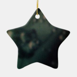 Burbujas verdes suaves en final metálico natural adorno de cerámica en forma de estrella