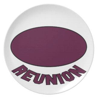 Burgundy Reunion Design Party Plates