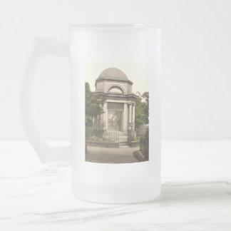 Burns Mausoleum, Dumfries, Scotland 16 Oz Frosted Glass Beer Mug