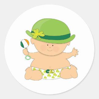 Burp me… que soy irlandés pegatina redonda