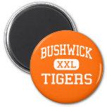 Bushwick - tigres - alto - Brooklyn Nueva York Imanes Para Frigoríficos