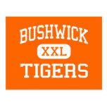Bushwick - tigres - alto - Brooklyn Nueva York Tarjetas Postales