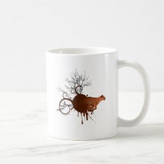 Búsqueda de la leona africana taza de café