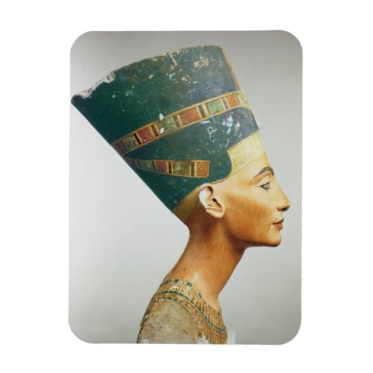 Bust of Queen Nefertiti, side view, from the studi Magnet
