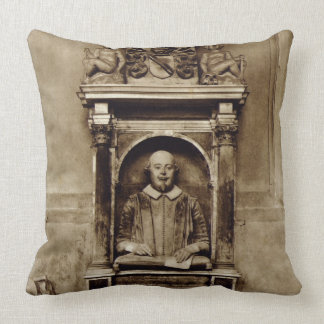 Bust of William Shakespeare (1564-1616) and inscri Throw Pillow