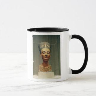Busto de la reina Nefertiti, vista delantera Taza