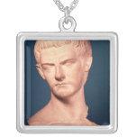 Busto del emperador Caligula de Tracia, ANUNCIO c. Colgante Cuadrado