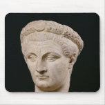 Busto del emperador Claudius de Thasos Alfombrillas De Ratones
