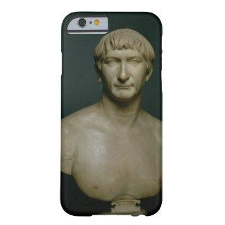 Busto del retrato del emperador Trajan (53-117 Funda Barely There iPhone 6
