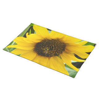 BUSY BEE ACCENTED PLACEMAT