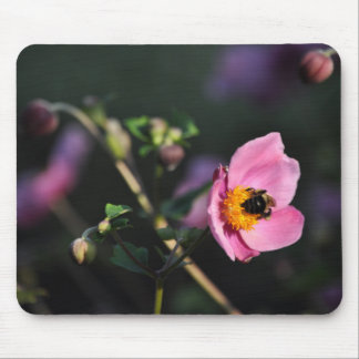 Busy Bee mouse pad