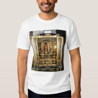 Butsudan shrine from a Damio's palace at Kyoto T-shirt