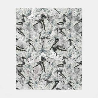 Butterflies pattern fleece blanket