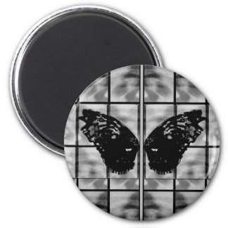 Butterfly wings daises black white magnet