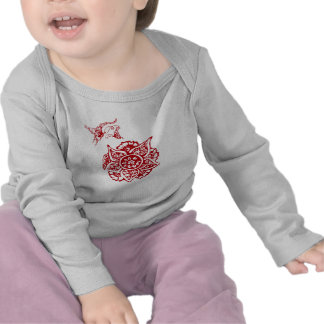 Butterfly with Flower(Henna)(Red) T-shirt