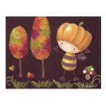 Buz-buz toma una postal del paseo del otoño