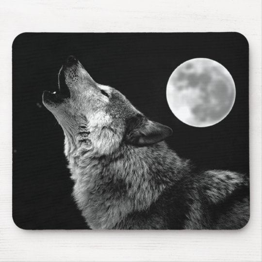 BW Wolf Howling at Moon Mouse Pad