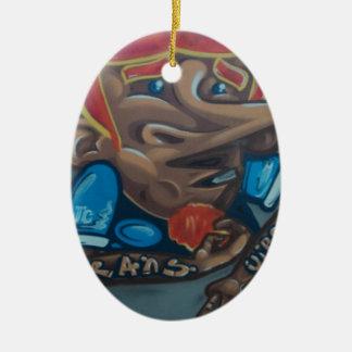 By the face adorno navideño ovalado de cerámica