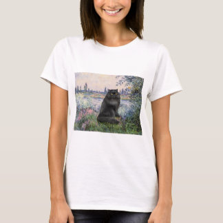 By the Seine - black Persian cat T-Shirt