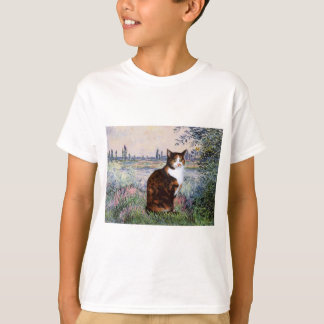 By the Seine - Calico cat T-Shirt