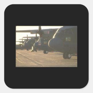 C-130 Hércules en los aviones ramp_Military Pegatina Cuadrada